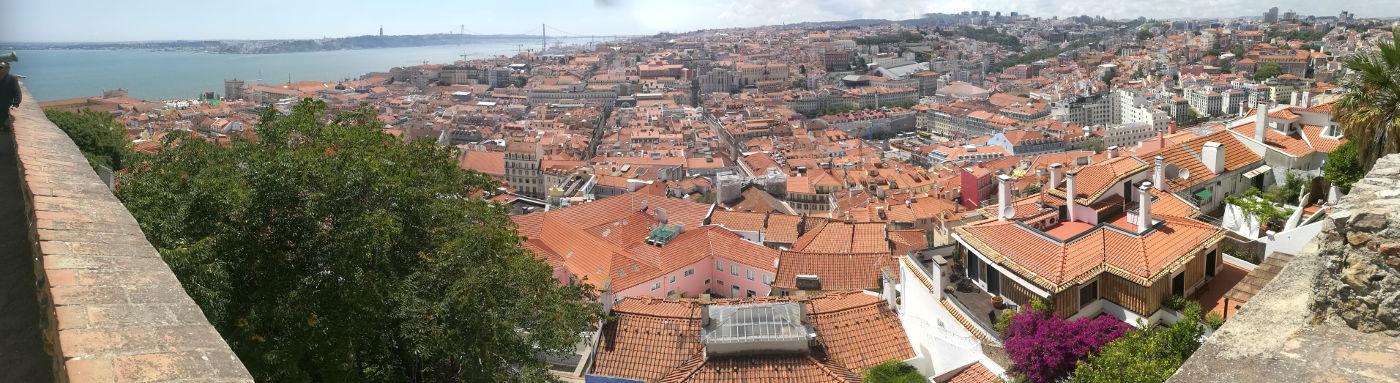 Panorama Lizbone iz vrtov gradu Castrelo são Jorge
